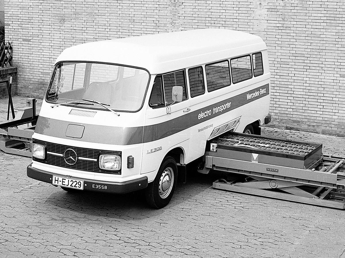Mercedes LE 306