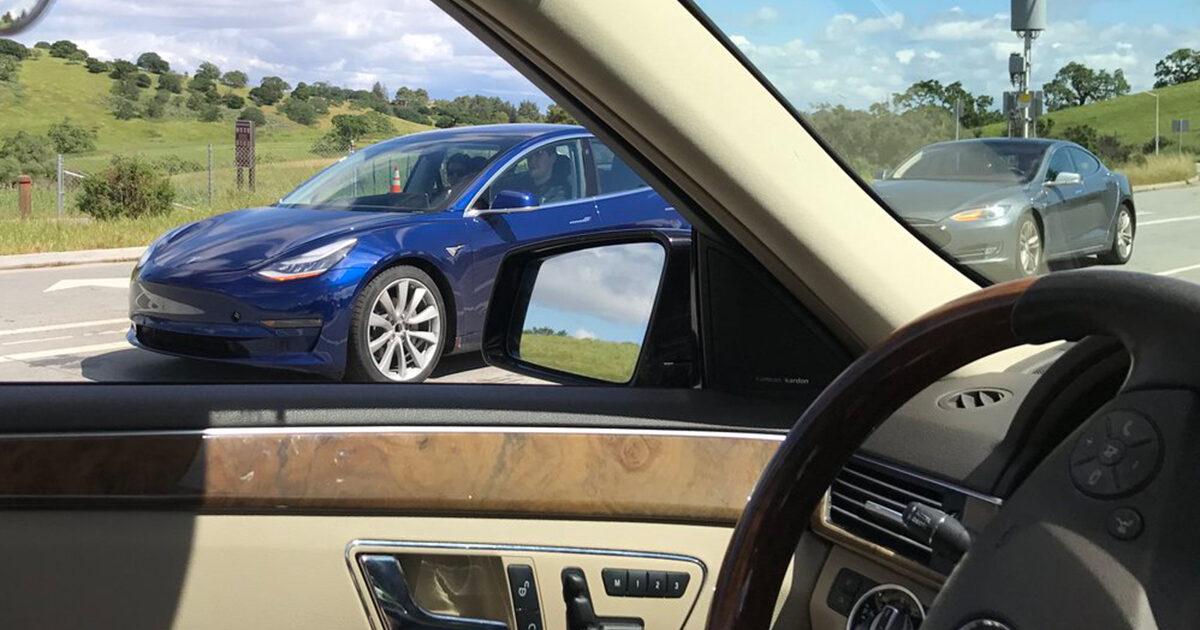 Tesla опровергла слухи остроительстве своего завода в КНР