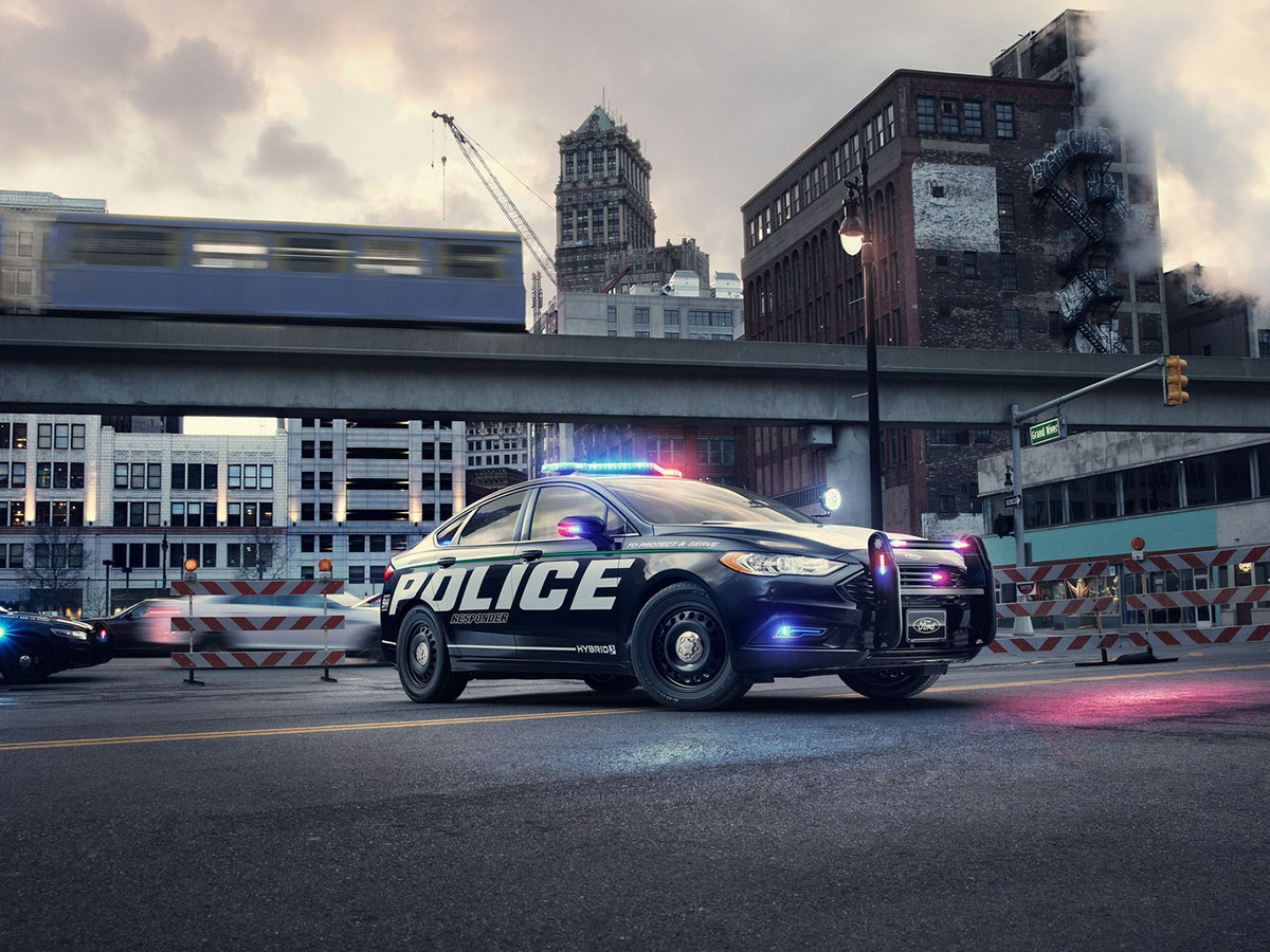 ford-police-responder-hybrid-sedan