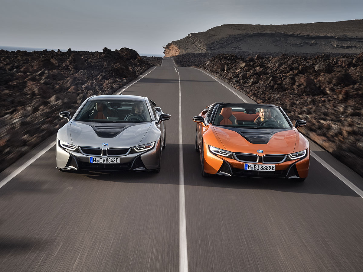 bmw-i8-coupe-i8-roadster-2018