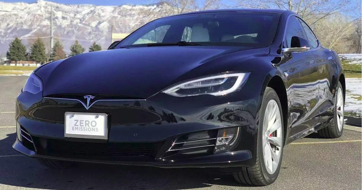 Серийные электрокары Tesla Model 3 появились вмагазинах