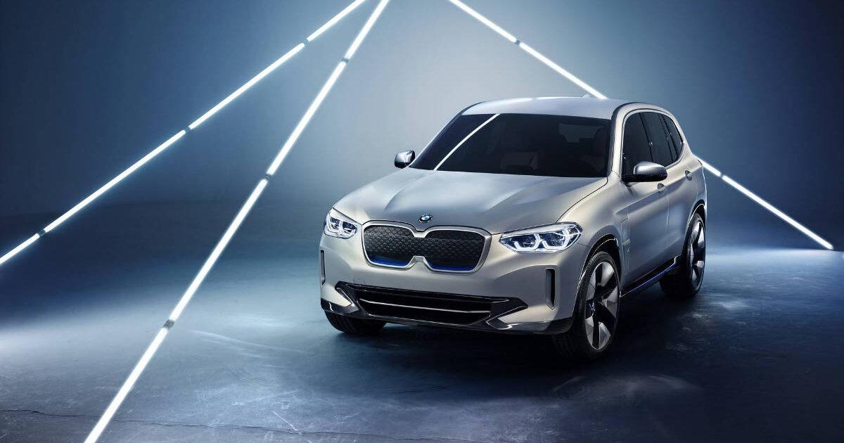 Первый электрический кроссовер BMW проезжает на одном заряде 400 км