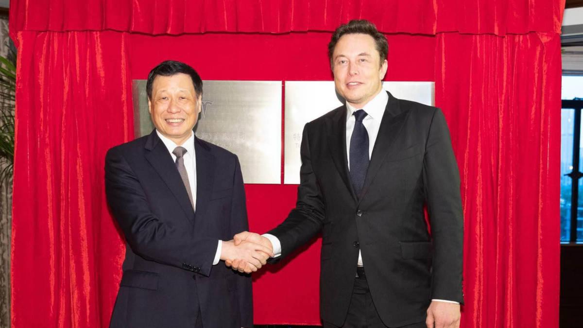 Илон Маск в Китае