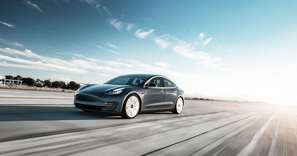 Tesla-Model-3-Performance